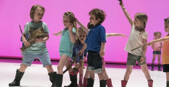 enfants dansant